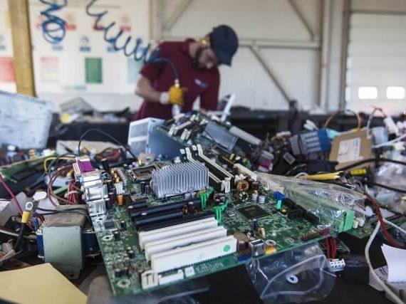 reciclar material informatico